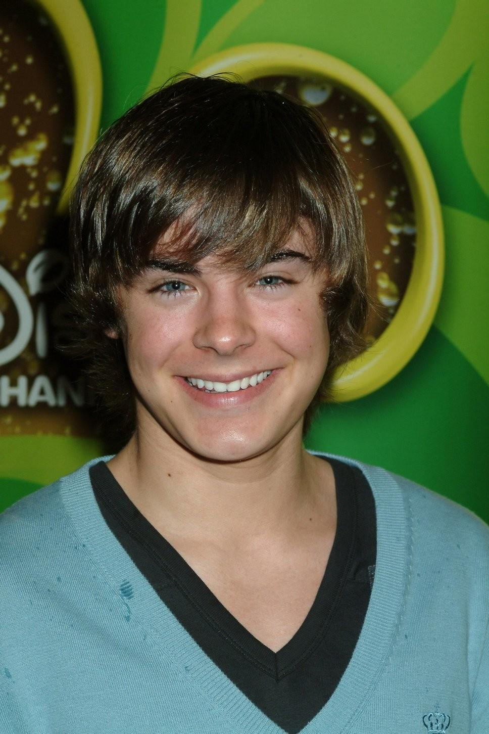 Who is zac efron dating may 2013 5